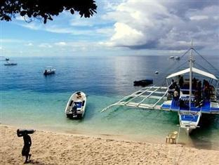 Kalipayan Beach Resort & Atlantis Dive Center