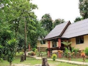 Baan Rimdoy Resort