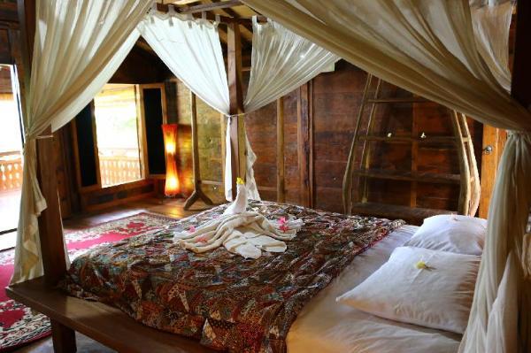 Lovina Beach Houses Bali