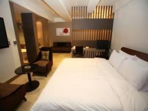 Reve Hotel Suwon