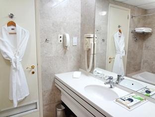 Al Qurum Resort
