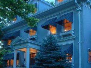 Southmoreland On The Plaza Bed And Breakfast