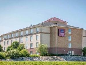 Comfort Suites Indianapolis Hotel