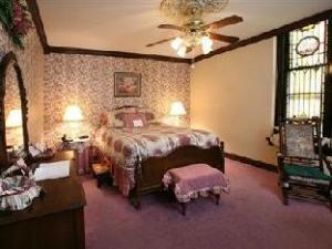 Christopher'S Bed And Breakfast