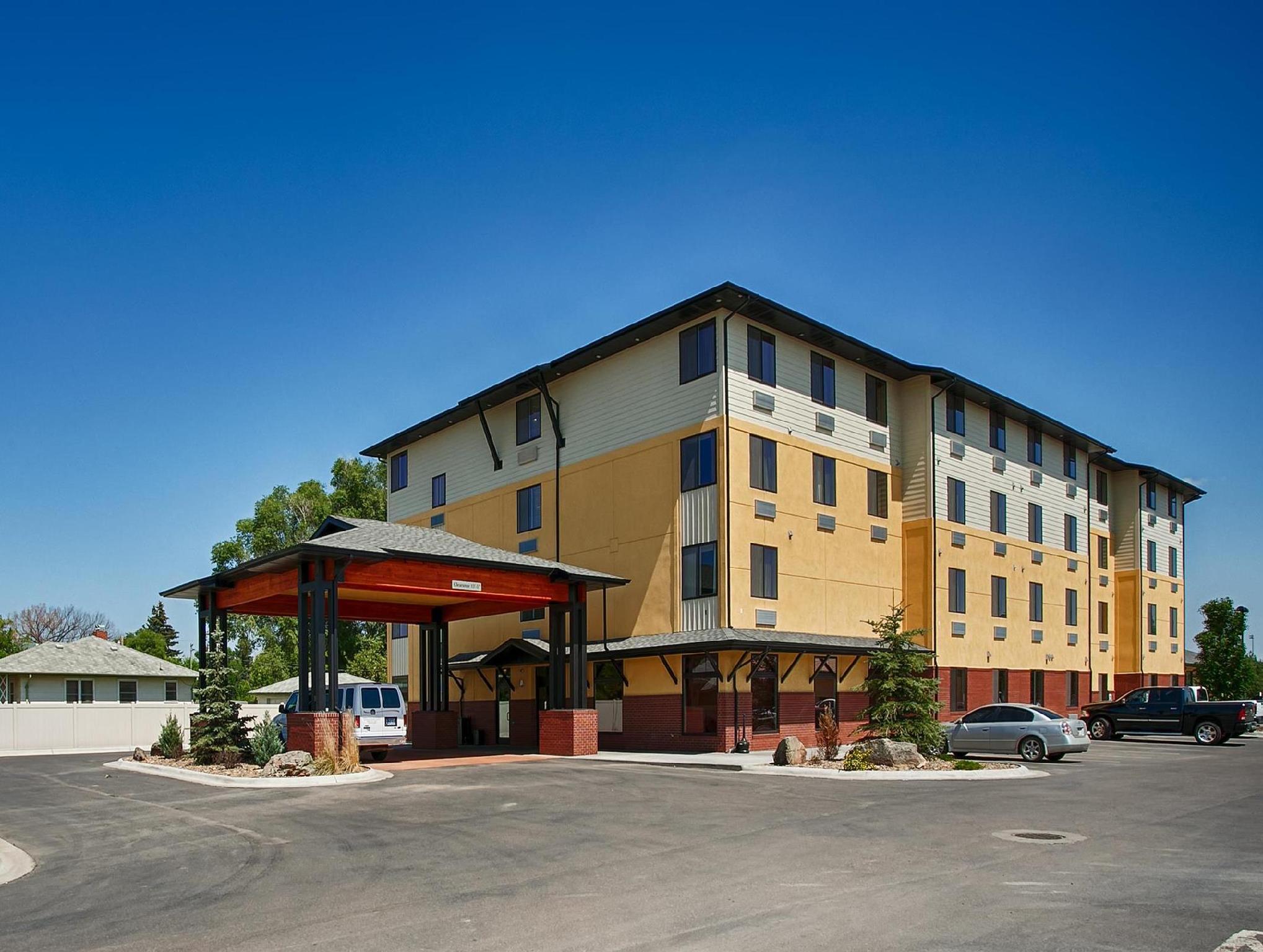 Best Western Golden Prairie Inn And Suites