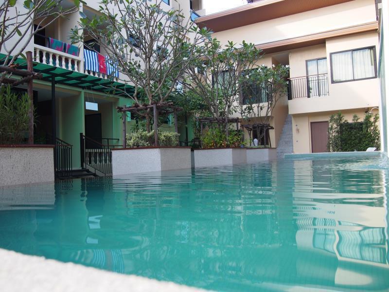 The Wave Hotel Patong เดอะ เวฟ โฮเต็ล ป่าตอง