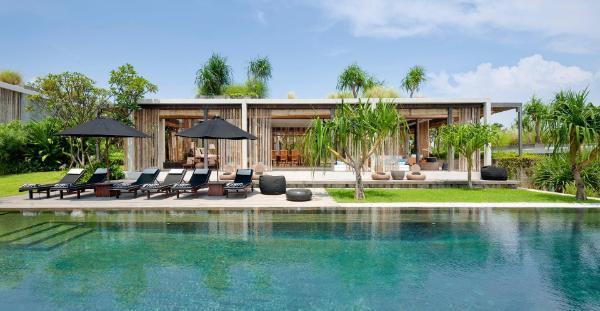 Villa Tantangan Luxe & Secluded Getaway near Beach Bali