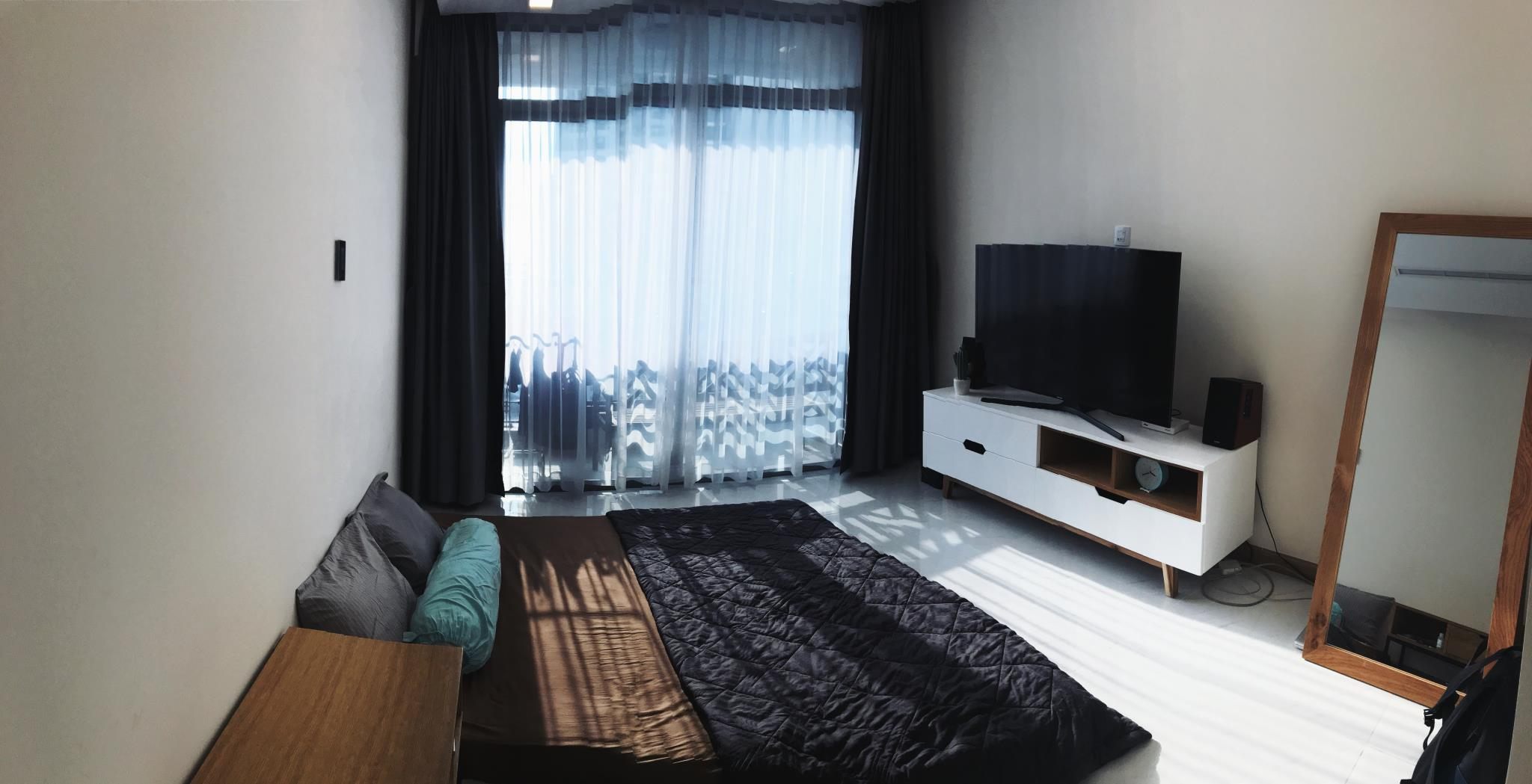 Minimalist And Cozy Apartment Inside Crowed SaiGon