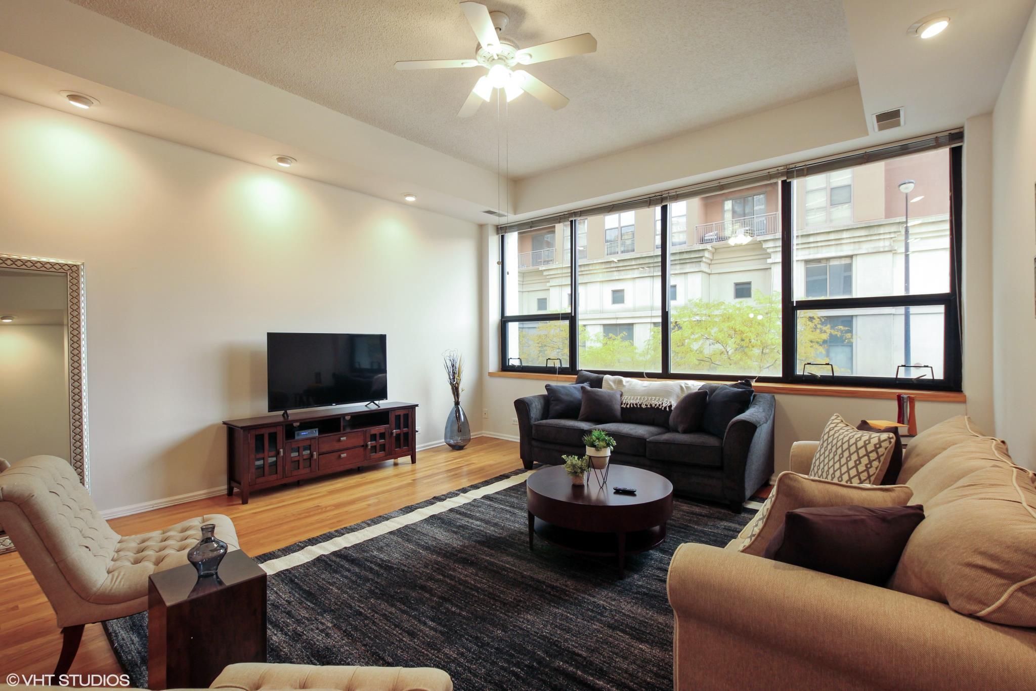 Premier 2BR Apartment In South Loop