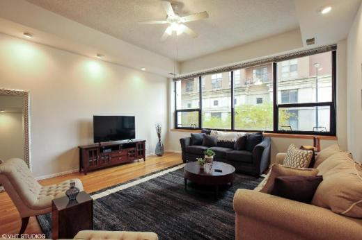 Premier 2BR Apartment in South Loop