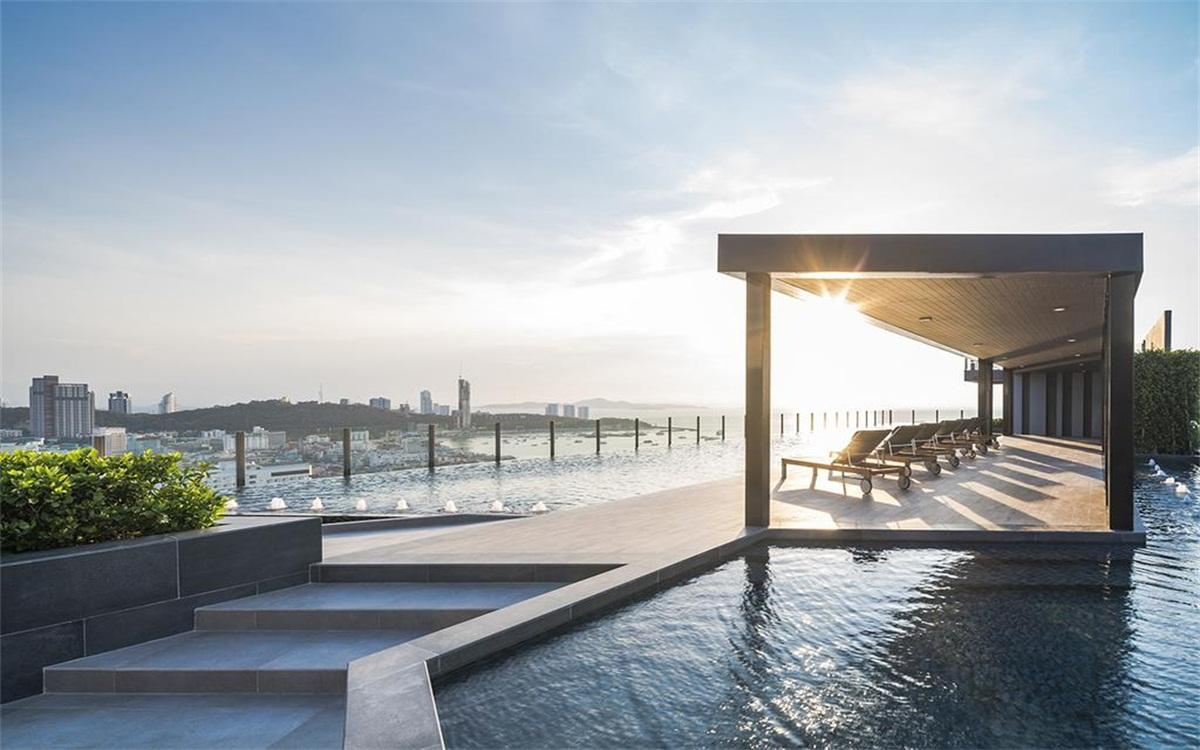 1 Luxury Modern 1BR 300M From Pattaya Beach