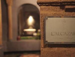 Over L'Alcazar Hotel (L'Alcazar Hotel)