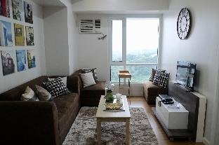 picture 1 of Gorgeous Luxury Condo On the Hills