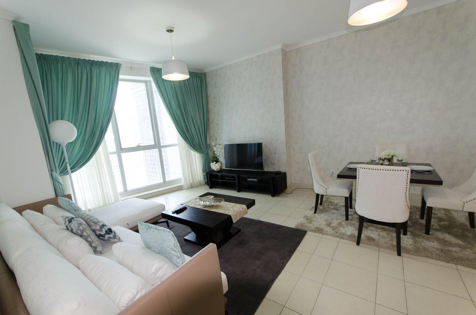 Newly Refurbished 1 Bed Apt With Sea And Marina View