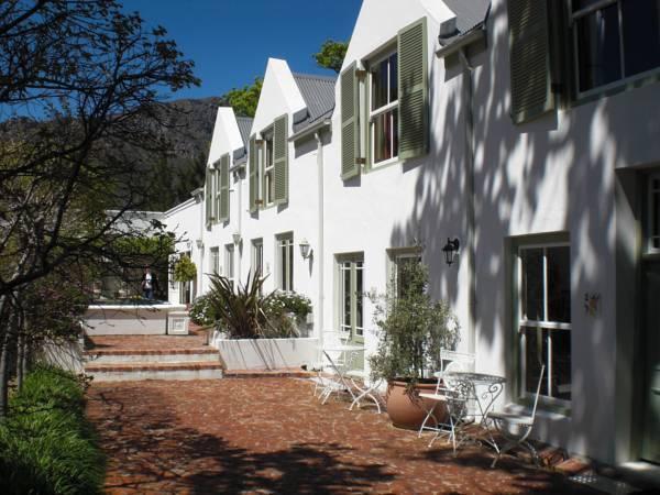 Auberge La Dauphine Guest House