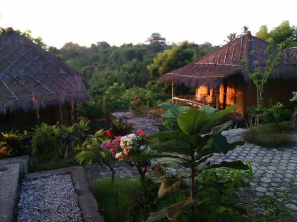 Tira Villa Homestay Ekas Bay Lombok