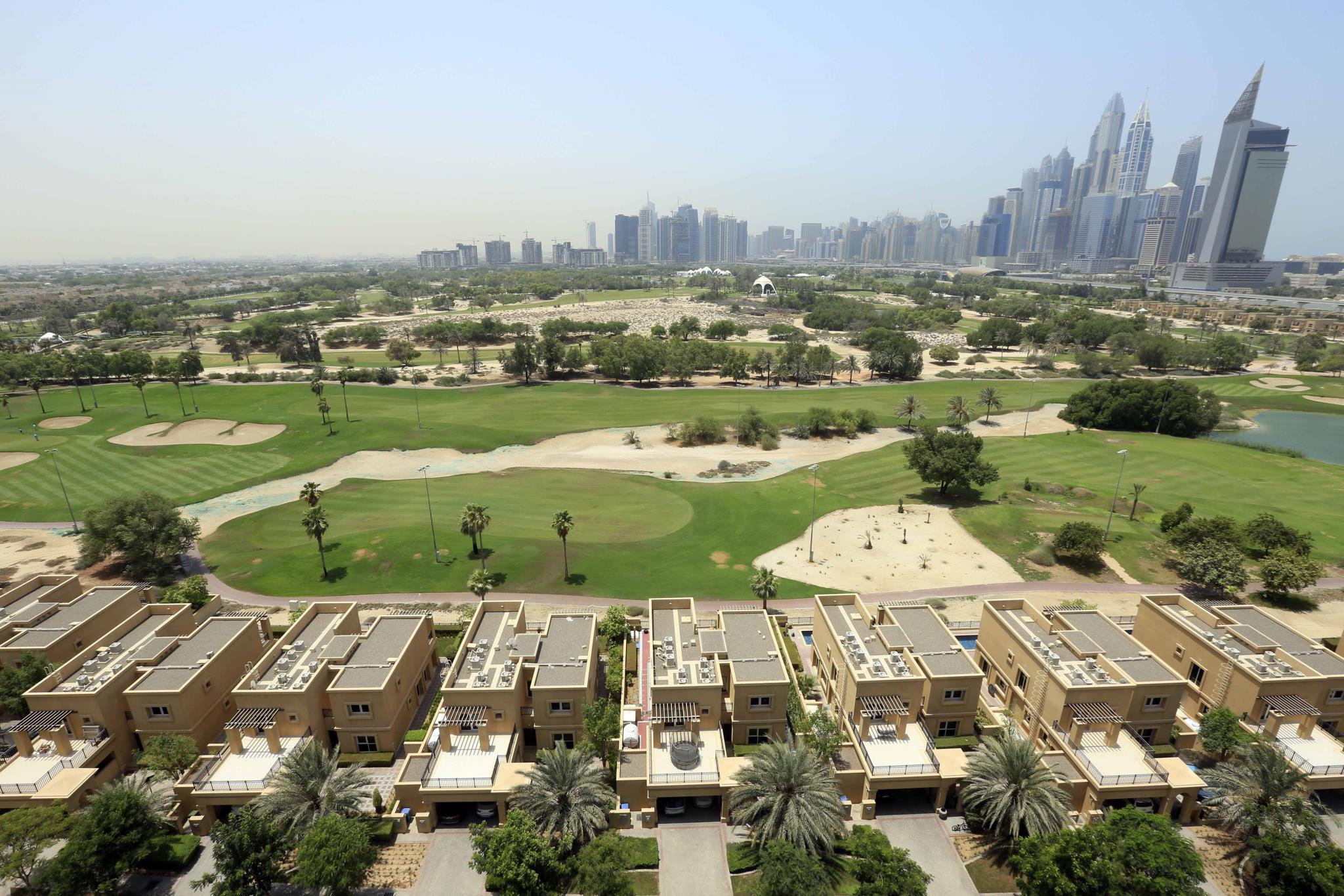 1 Bedroom Apt With Full Golf Course View In Views