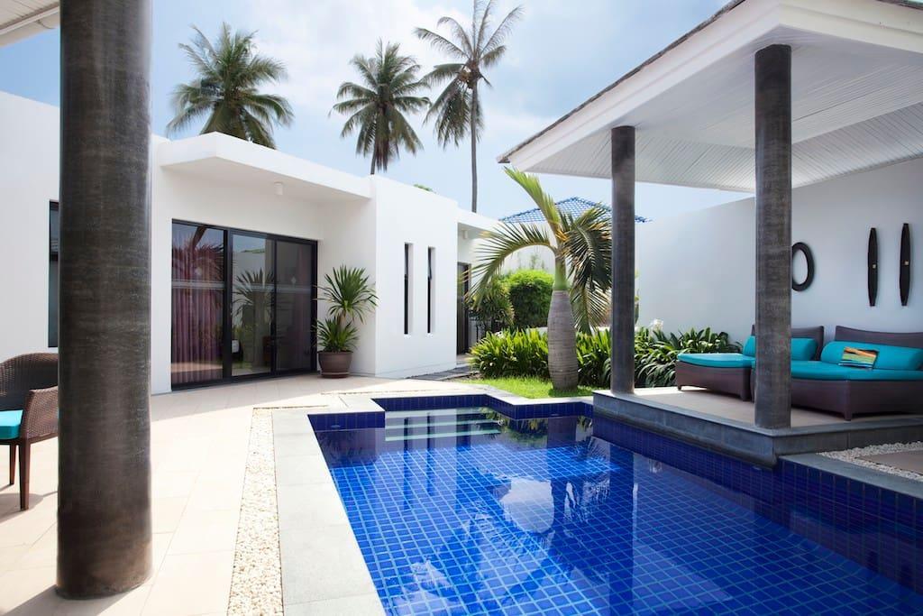 Big Garden And Pool Villa With 3 Bedrooms