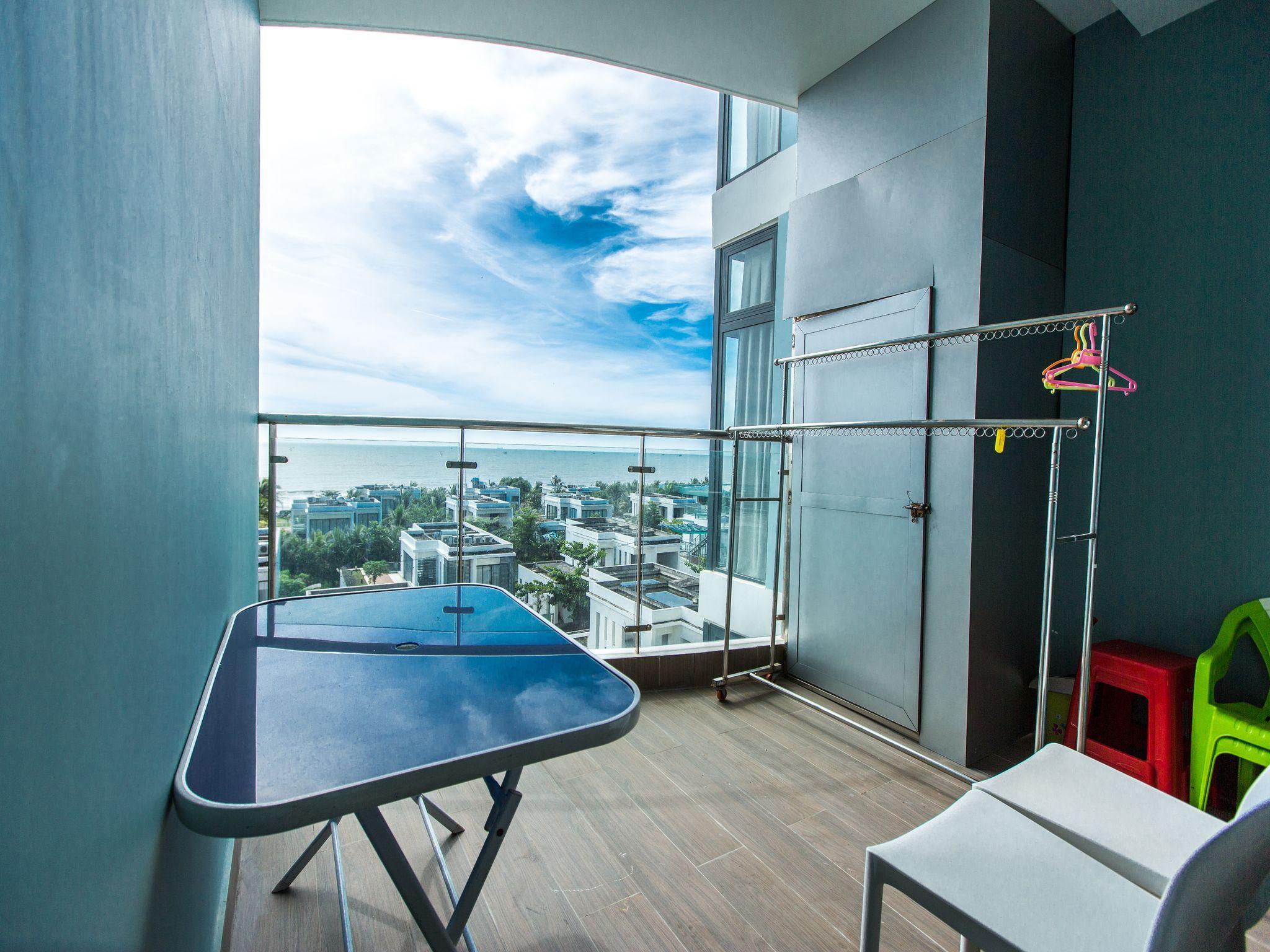 HL Luxury Blue Sapphire Seaview Apartment A502