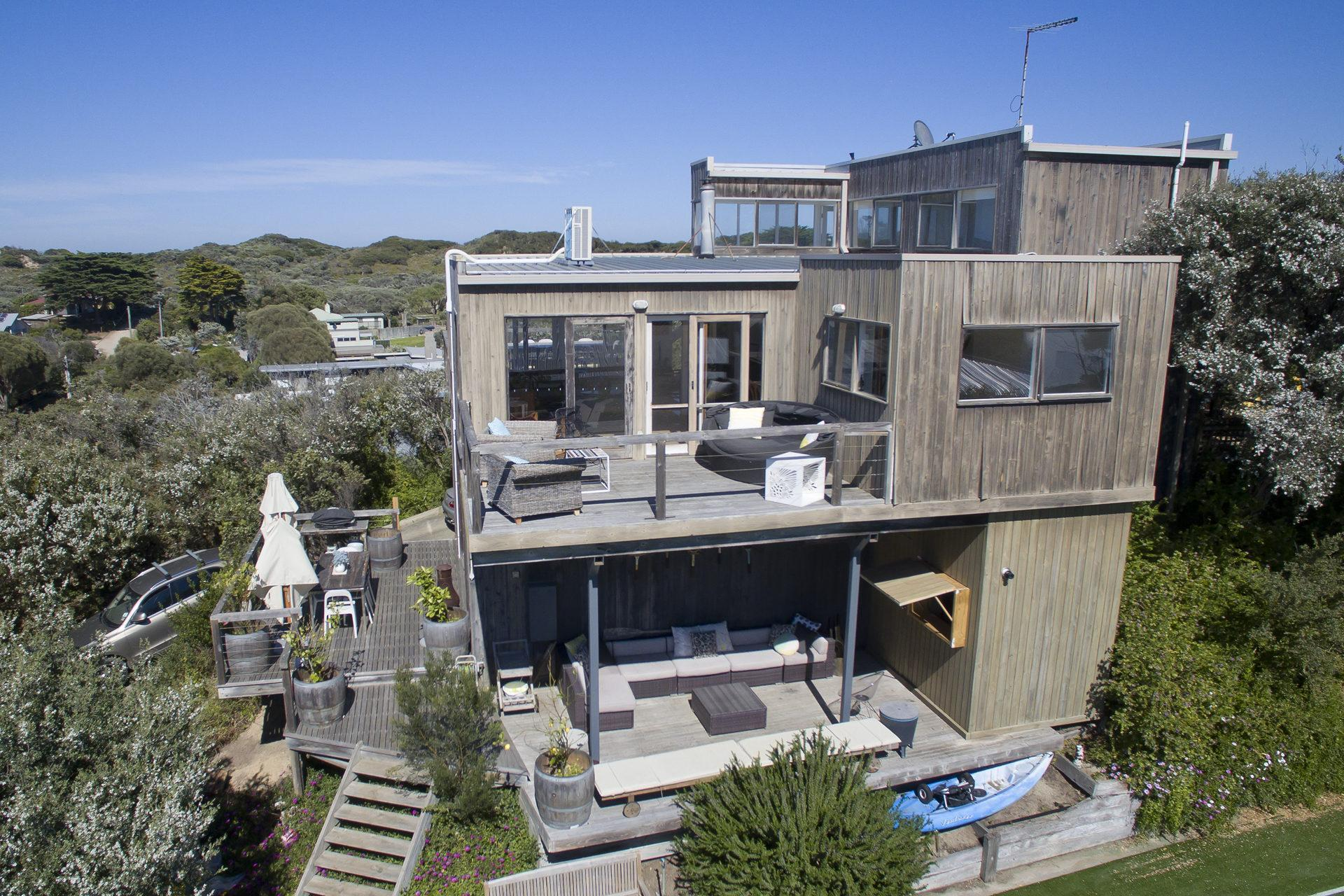 Caldermeade 4 Bedrooms House