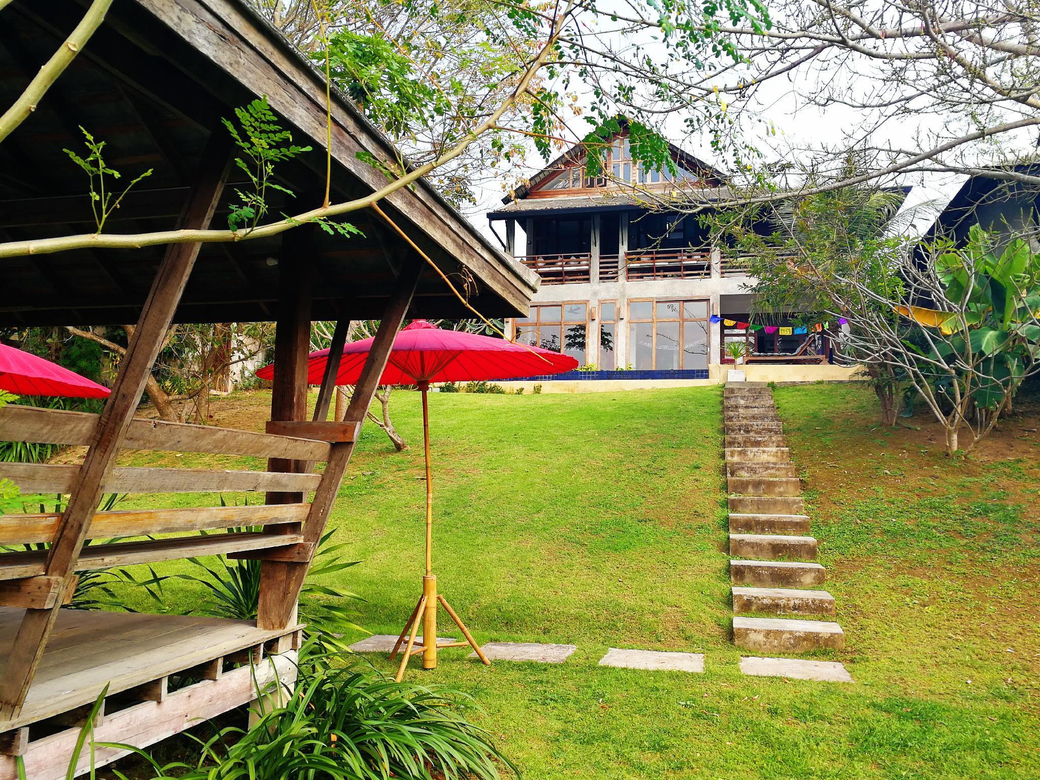 Ping Pool Villa 2