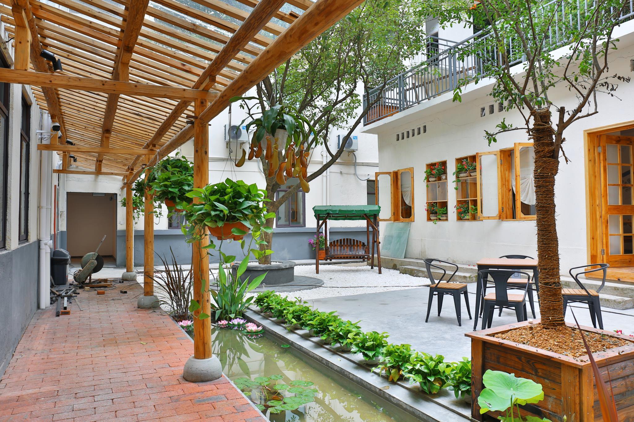 Qiandaohu Blue Mountain Youth Hostel