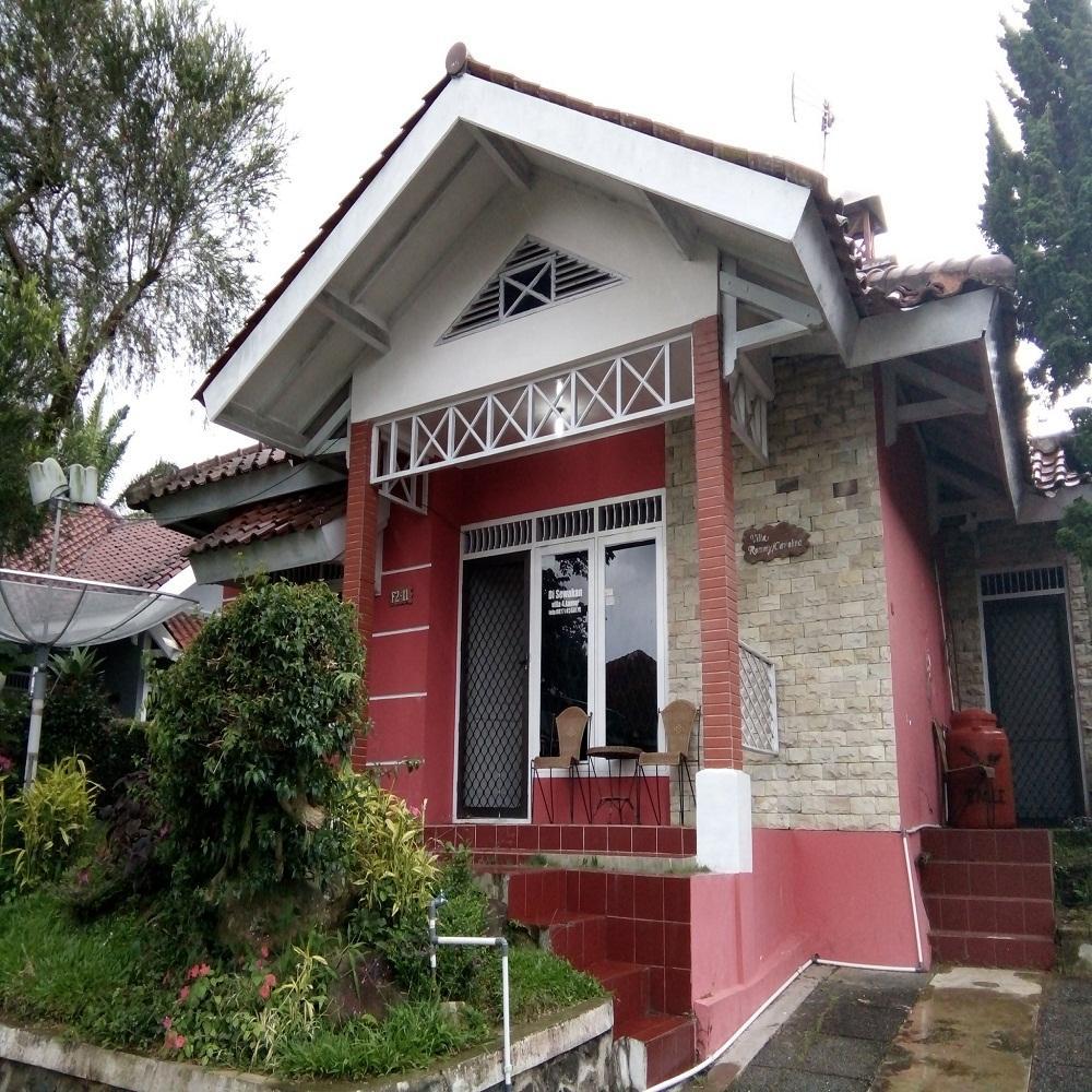 2 Bedrooms Villa Kota Bunga Santibis F