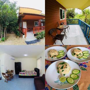 %name Mattrees Guesthouses 4 + 1 Free Meal เกาะสมุย