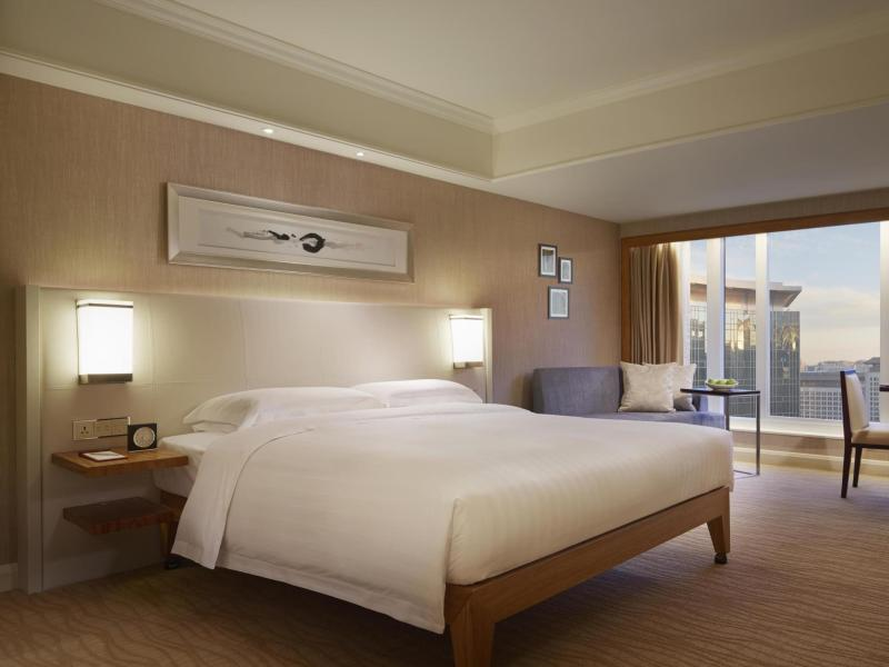 Club Deluxe Room With King Bed