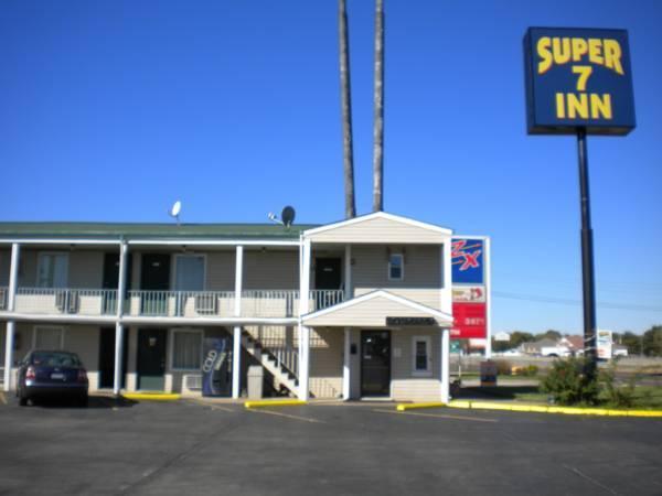 Super 7 Inn