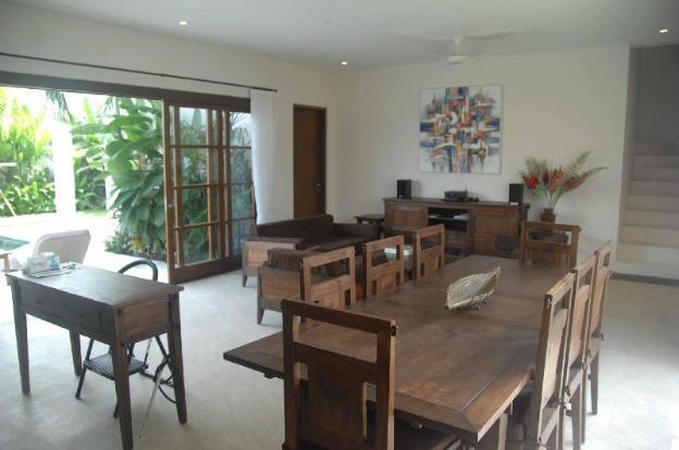 Sunset Villa Canggu - Poolview Suite - Relaxing