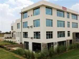 Una Smart Matsya Aravali Hotel