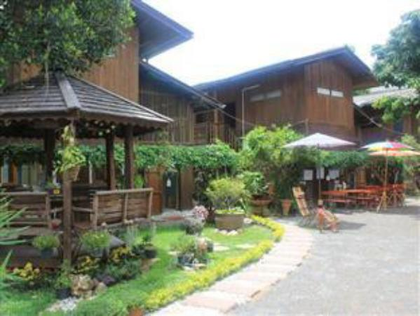 Aoi garden home old city chiang mai thailand great for Classic house chiang mai
