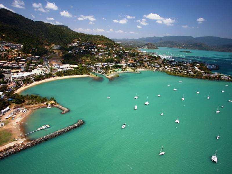 About Airlie Beach Apartments