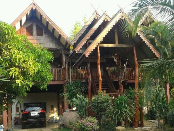 Thai House-Isaan Guesthouse Mukdahan