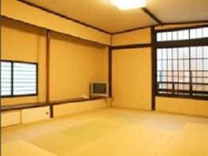 Yadoya Nishijinso Hotel