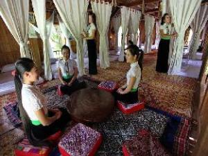 Hoa Ban Stilt House