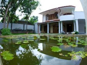 Clove Villa
