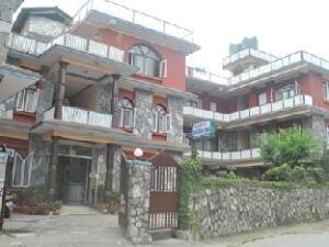 關於費瓦湖塔爾瑪飯店 (Hotel Dharma Inn)