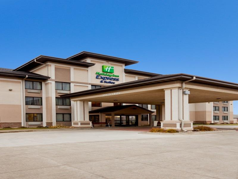 Holiday Inn Express And Suites Worthington