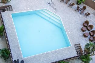 picture 2 of SP804A 1BR unit NEAR AYALA MALL! Free Pool & Gym