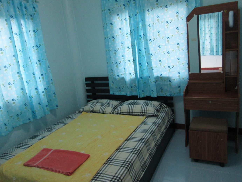Sichang Sabaidee Holiday House