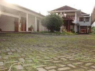 Plemburan Guest House