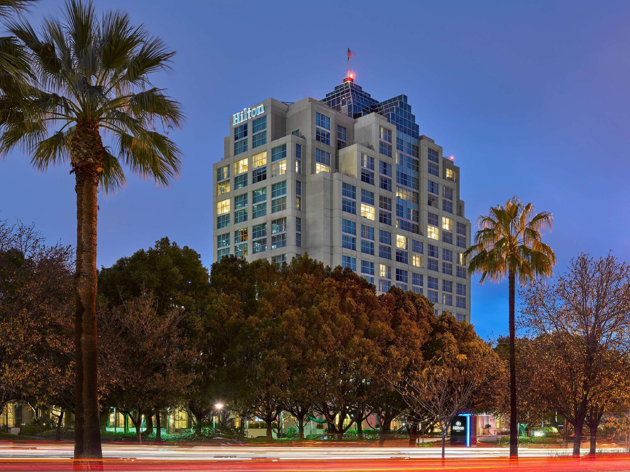 Hilton Glendale Hotel