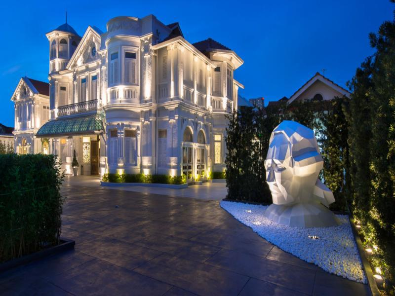 Eight Rooms   Macalister Mansion