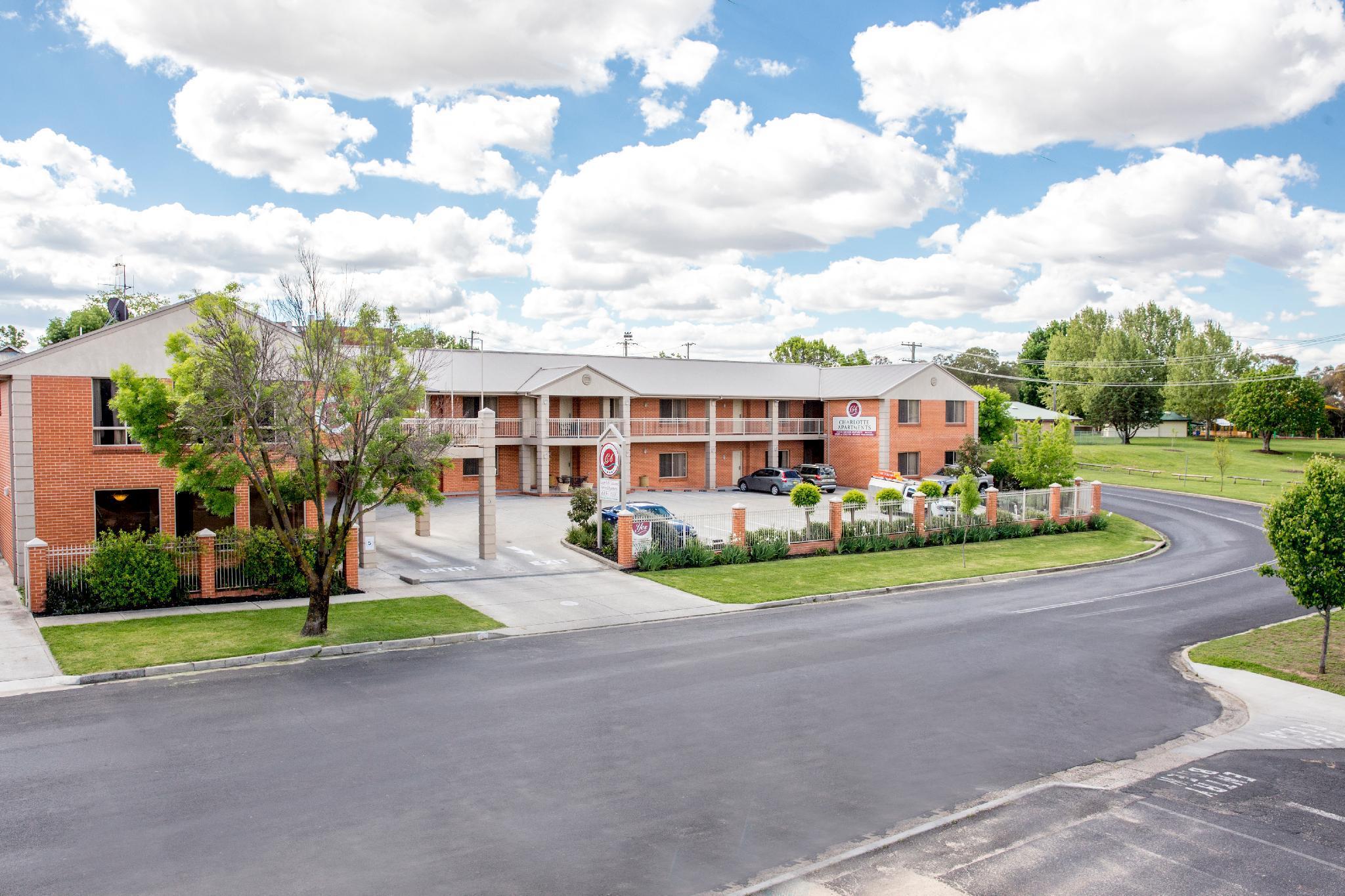 Charlotte Apartments Reviews