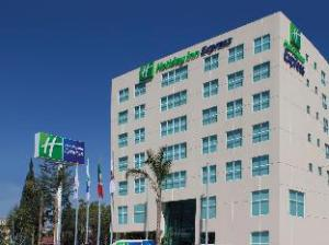 Over Holiday Inn Express & Suites Queretaro (Holiday Inn Express & Suites Queretaro)