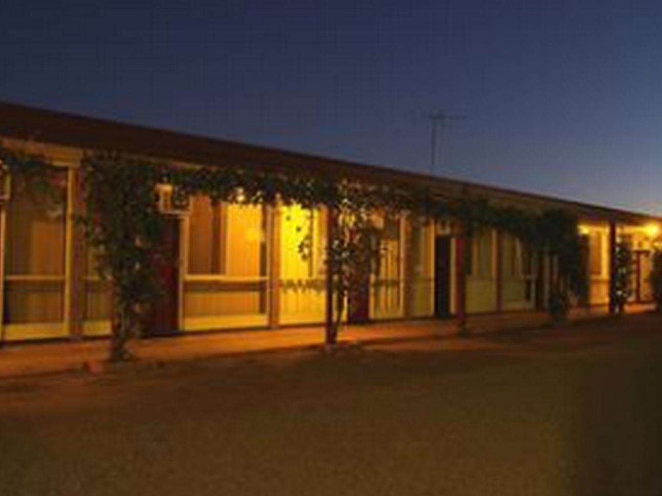Review Adelaide Road Motor Lodge
