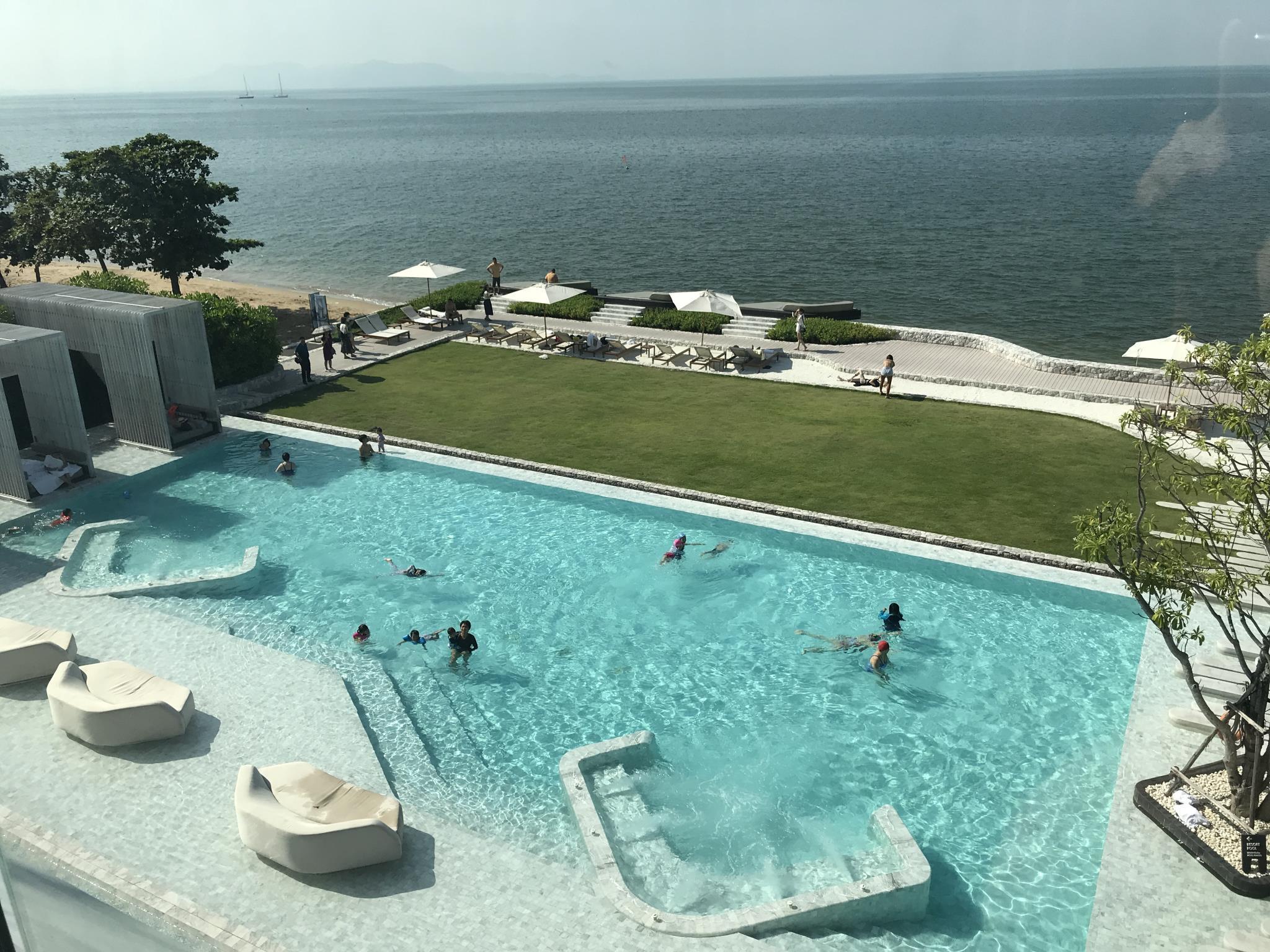 1 Bedroom Beachfront Luxury Residence