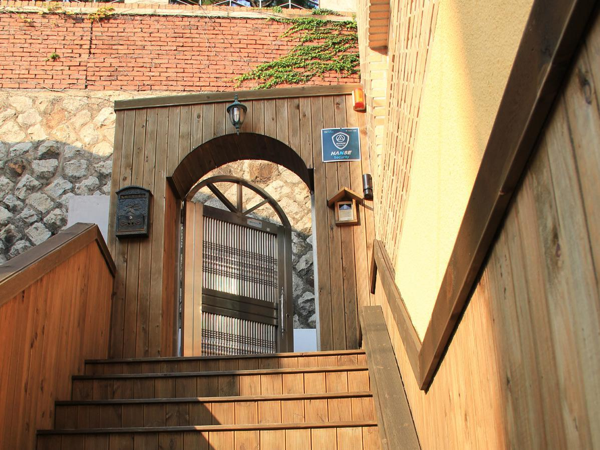 SP@Itaewon Guesthouse For Foreigners Only
